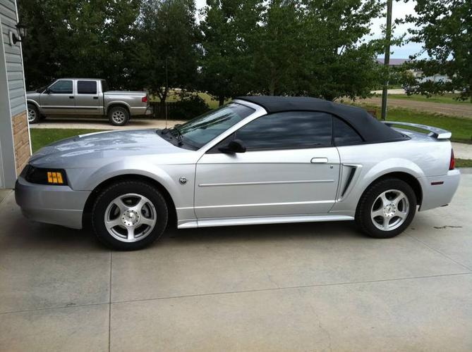 2004 ford mustang 40th anniversary convertible for sale in. Black Bedroom Furniture Sets. Home Design Ideas
