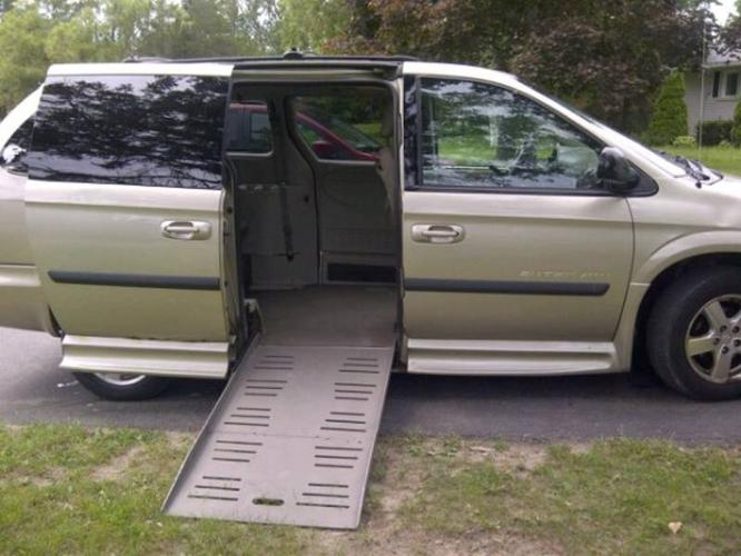 2005 Dodge Grand Caravan Minivan