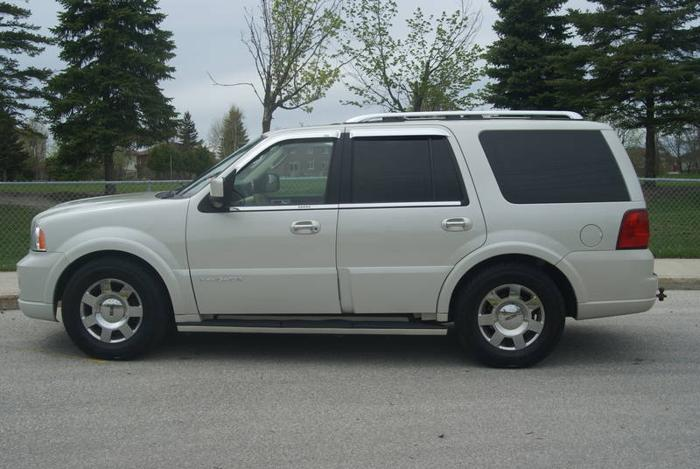 2005 lincoln navigator suv for sale in barrie ontario. Black Bedroom Furniture Sets. Home Design Ideas