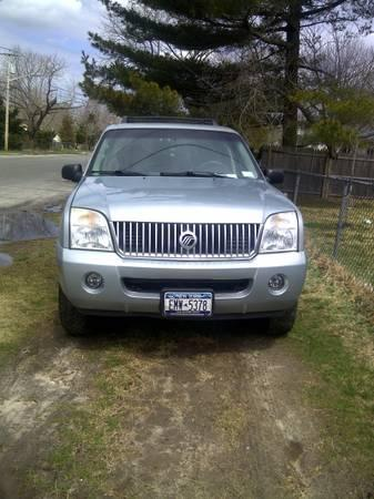 2005 Mercury Mountaineer Premier SUV - $5500