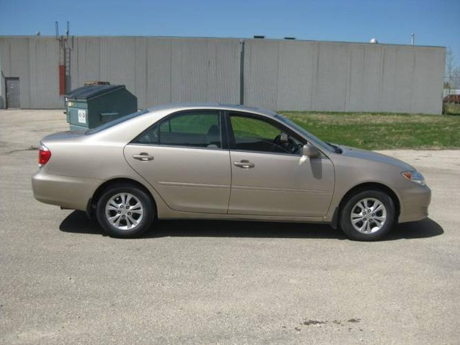 2005 toyota camry le sedan for sale for sale in winnipeg manitoba all cars in. Black Bedroom Furniture Sets. Home Design Ideas