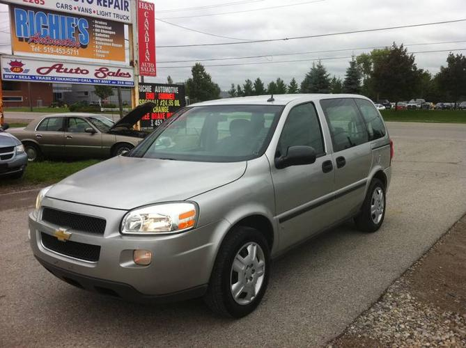 2006 chevrolet uplander ls minivan no accident attached. Black Bedroom Furniture Sets. Home Design Ideas