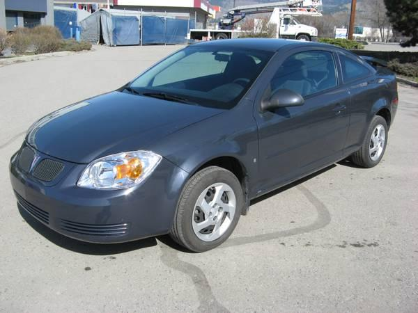 2008 pontiac g5 coupe 6800 for sale in kelowna. Black Bedroom Furniture Sets. Home Design Ideas