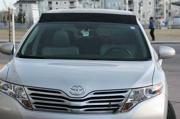 2009 Toyota Venza Premiums package low kms - $23900