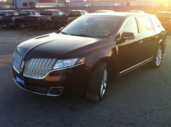 2011 Lincoln MKT Elite Package AWD TURBO LUXURIOUS/LOADED! - $42999