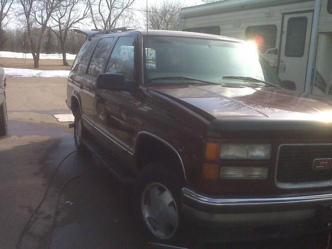 @@ $4400.OBO 1999 GMC Yukon SLT SUV