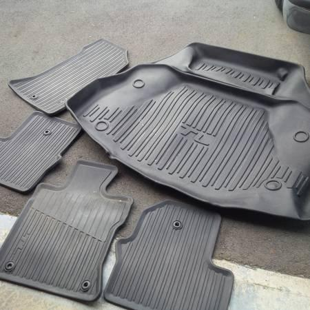 Acura TL Rubber Floor Mats Trunk Tray For Sale In Squamish - 2006 acura tl floor mats