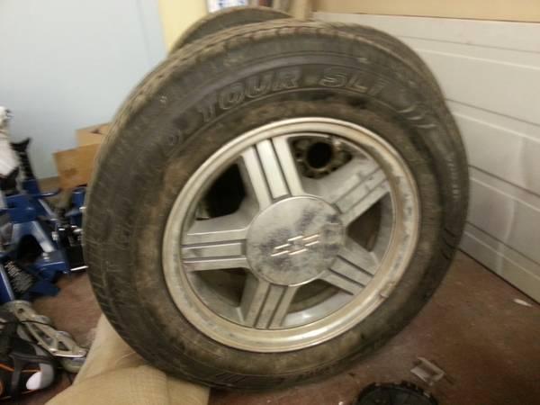 Chevrolet S10 tires & rims - $500
