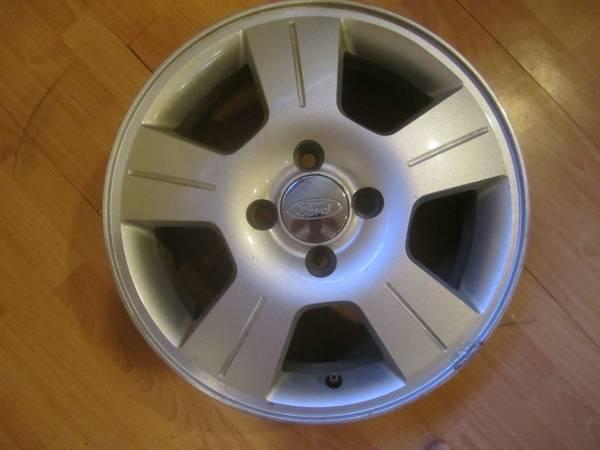 Ford Focus 16 inch Alloy Wheel - $180