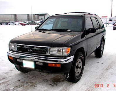 Private Sale - 1998 Nissan Pathfinder 4 x 4 - Safetied - $3950