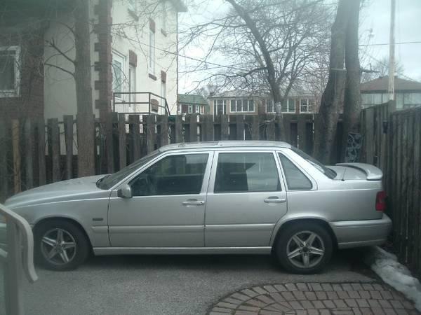 Volvo S70 1998 - $1500